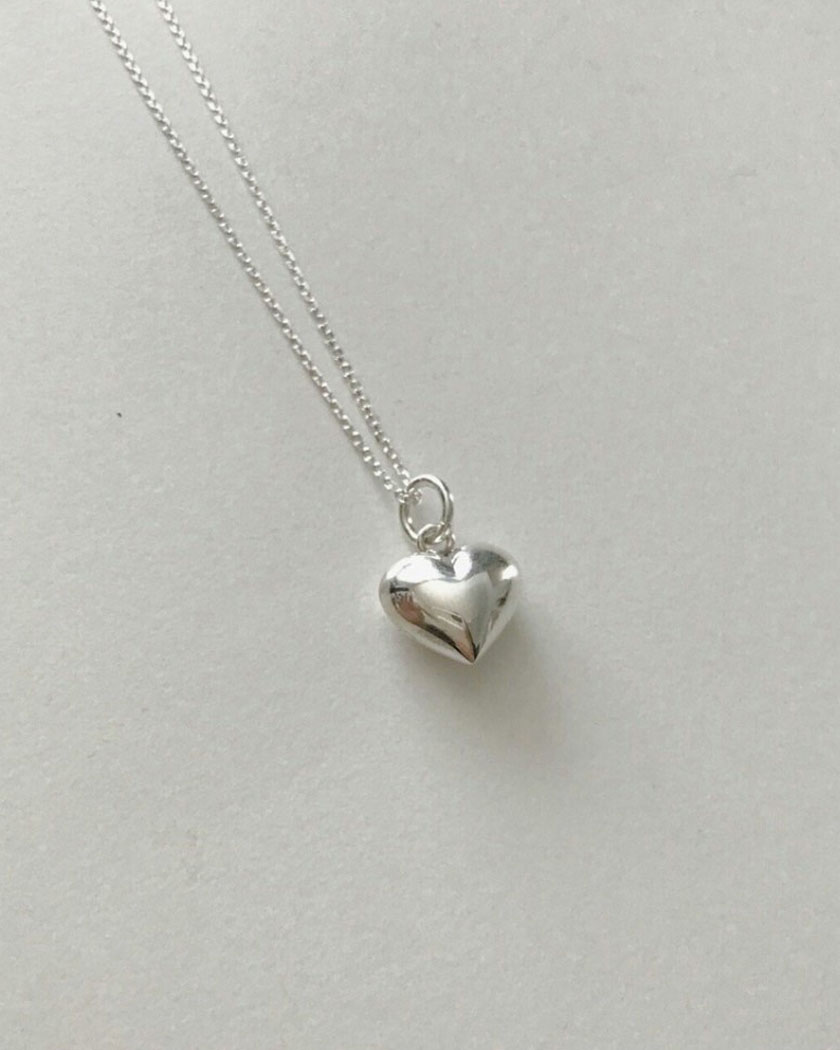 Heart volume necklace